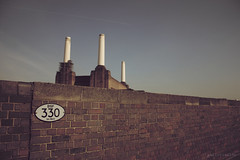 pink floyd animals cover revisited (paolorinaldo) Tags: pink music london station animals rock canon day sunny 330 cover sound musica floyd battersea revisited