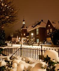 Hotel 't Lansink, Tuindorp, Hengelo (0), Kerst 2010 (lambertwm) Tags: christmas longexposure white snow evening nightshot nacht sneeuw kerst hengelo tuindorp wittekerst hoteltlansink