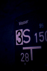 (Liquid Oh) Tags: blue water sign night hydrant 35mm dark nikon wasser noir shot nightshot 15 nikkor luxembourg 3s luxemburg afs obscure dx letzebuerg 28t d300s f18g