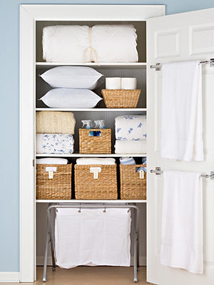 Family-Circle-Linen-Closet