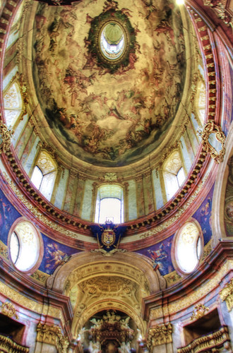 Peter church dome. Vienna. Cúpula de la iglesia de Pedro