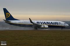EI-DWT - 33626 - Ryanair - Boeing 737-8AS - Luton - 110106 - Steven Gray - IMG_7561