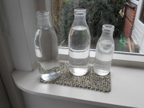 Onderzetter voor oude melkflessen/ Coaster for former Dutch milk bottles by evstra