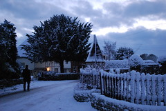 Winter scene (Spannarama) Tags: road uk winter snow kent maidstone oasthouse