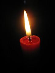 Anglų lietuvių žodynas. Žodis candle reiškia n žvakė lietuviškai.
