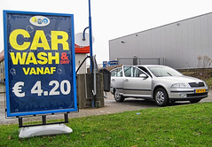 CarWash (Gerd-Brunssum (time out)) Tags: auto holland car cleaning shampoo wash wax 1001nights imo flickraward thegoldenbee betterthangood naturespotofgold gerdbrunssum ringofexcellence