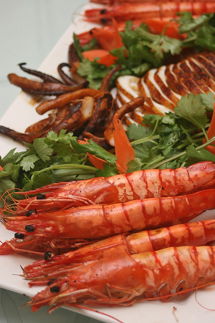 Grilled live prawns and cuttlefish