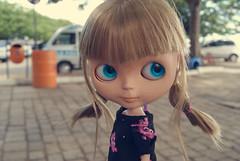 Alice~ (Bruna Lacrout ) Tags: pink bigeyes doll alice blueeyes portoalegre plastic blond blythe bangs custom crazyhair blck cuthair pinkballon rbl wiwi usinadogasmetro sardas takaratomy liccabody panteracorderosa primadolly winsomewillow tilima pdww sonya230