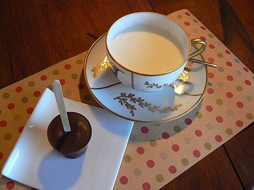 sucette en chcoalt et lait.jpg