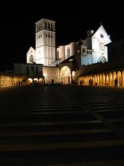 Assisi at night (Kennedy Lugo) Tags: italy church night lights italia basilica illumination churches illuminated duomo assisi umbria