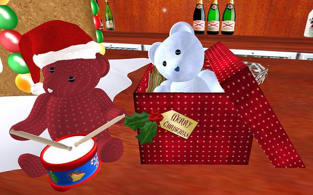 30L Saturday Silken Desires Christmas Surprise and Little Drummer Boy bears December 11 2010