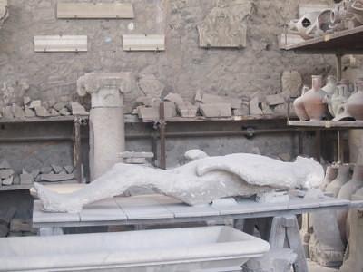 pompeii lay
