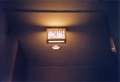 (purelikegolddd) Tags: light escape lumière montreal signage sortie exit pvm