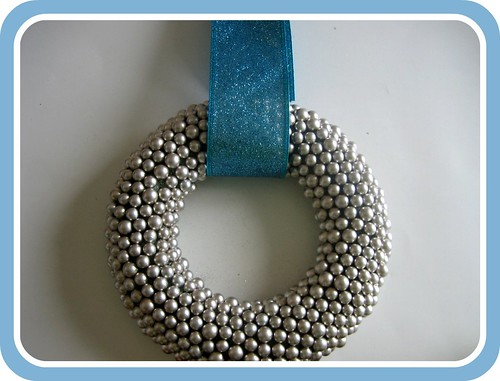 Silver Ball Wreath