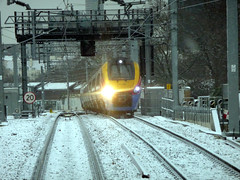 222005 St Pancras (barry 13092) Tags: snow train rail stpancras meridian 222005