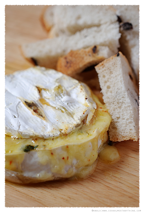 baked camembert© by Haalo