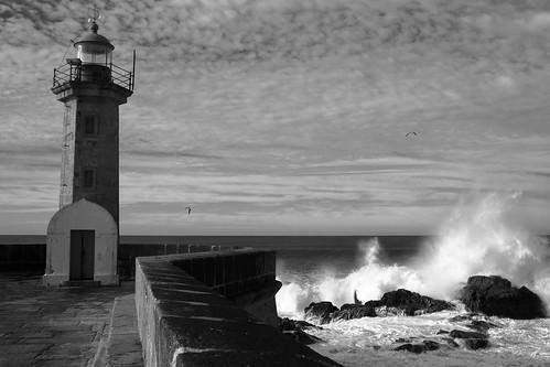 フリー写真素材, 建築・建造物, 灯台・ライトハウス, 海岸, モノクロ写真, ポルトガル,