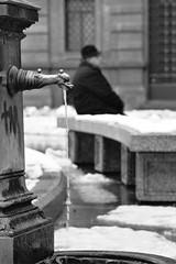 Piazza della Scala (Aschenbachster) Tags: street bw milan film milano scala piazza bianconero