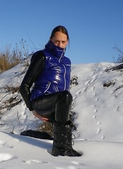 IMGP0034 (Karhu1) Tags: schnee snow shiny jacket nylon snowsuit jacke overall skianzug
