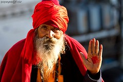 May God Bless You (Popeyee) Tags: pictures old portrait india man men canon blessings temple photo flickr gallery foto photographer image photos pics indian laranja picture oldman images blessing holy fotos yogi bild hindu indien cultura bless bilder journalist mandir rajasthan udaipur sadhu 2010 jagdish rajastan 2011 sanyasi shadhu popeyee popeyeeflickr
