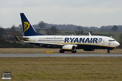 EI-DCX - 33569 - Ryanair - Boeing 737-8AS - Luton - 110110 - Steven Gray - IMG_7714
