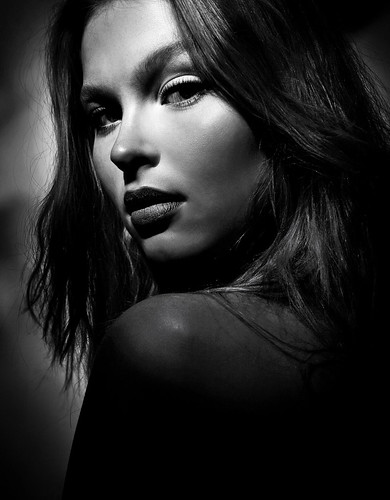beauty photo - Matta in Black and White by Reka Nyari