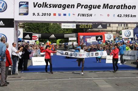 Vítězové z Prahy favority milionového Dubai Marathonu