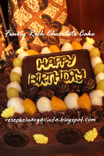 Fruity Rich Chocolate Cake Dewi