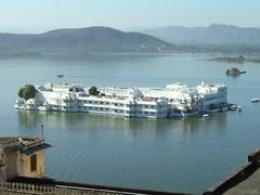 Lake Palace Hotel (hartjeff12) Tags: india rajasthan udaipur lakepichola