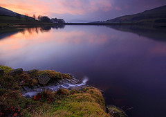 The Inlet (Charlotte Brett Photography) Tags: sunset reflections peakdistrict reservoir moor greenfield saddleworth dovestone