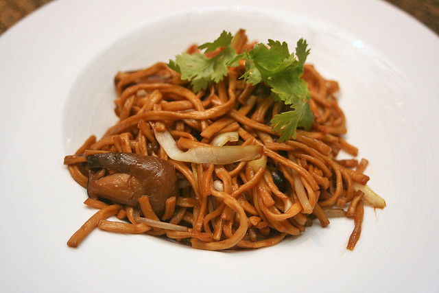Braised Hong Kong Ee-fu Noodle with Dried Fish Powder & Mushroom