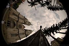 Flanando e olhando pra cima (Oswaldo Corneti) Tags: cidade de centro pra s paisagem da urbana praa paulo fotografia so cima olhando