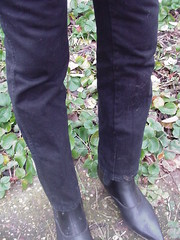 Tight jeans and boots 1 (DONNYB-UK) Tags: black leather boots jeans drainpipe skintight wrangler cubanheel 2inch winklepicker elasticsided beatboots