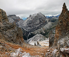 s16_0735_M_Cavallo01 (Vid Pogacnik) Tags: dolomiti dolomites mountain hiking notch descent passage scree outdoor rockformation rock landscape