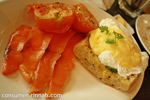 Eggs Benedict @ The Bee, Jaya One
