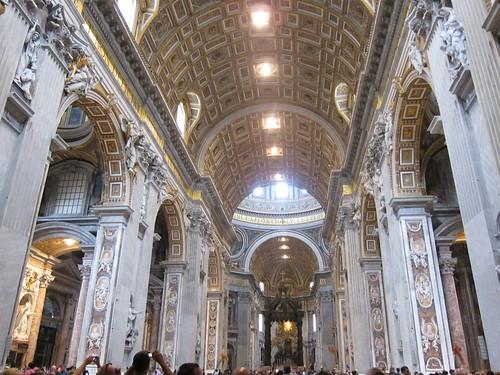 梵蒂冈大教堂内