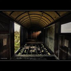 il vecchio carro (ma[mi]losa) Tags: nikon carro d200 ferroviario mamilosa micheledefilippo internocarroferroviario