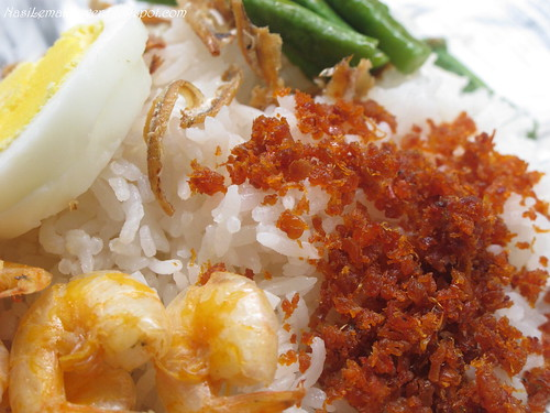 Hae Bee Shung (Spicy dried shrimps sambal)