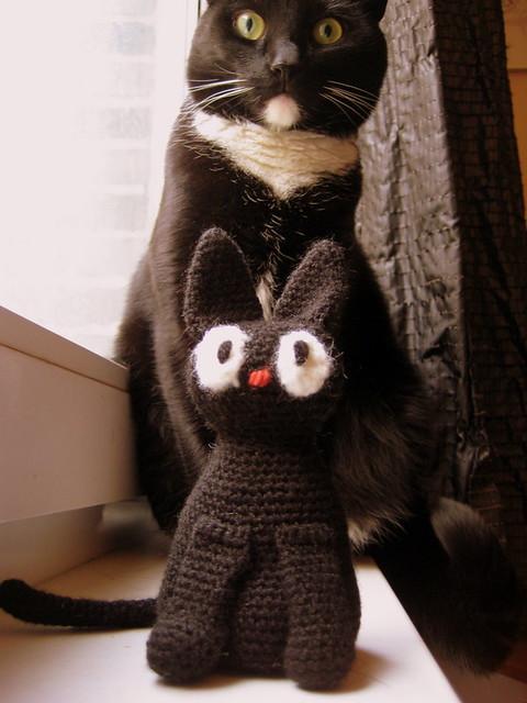 В'язана кішка Джиджи