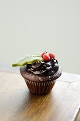 Mini-Cupcake de Chocolate com decorao de NATAL ... hohoho (Re Prazeres) Tags: christmas xmas natal chocolate mini cupcake azevinho