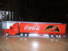 Merry Christmas! (rutaloot) Tags: truck toy coke camion cocacola promotional juguete kenworth t600