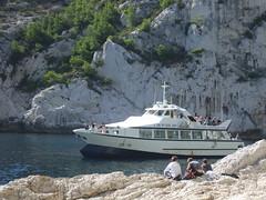 Les calanques de Marseille en bateau, Sujiton (Eric Lon) Tags: yoga trekking trek weekend var calanques vivre toulon marcher littoral saintmandrier lagarde respirer ericlon randonner seynesurmer oxygener yogatrekking assouplir