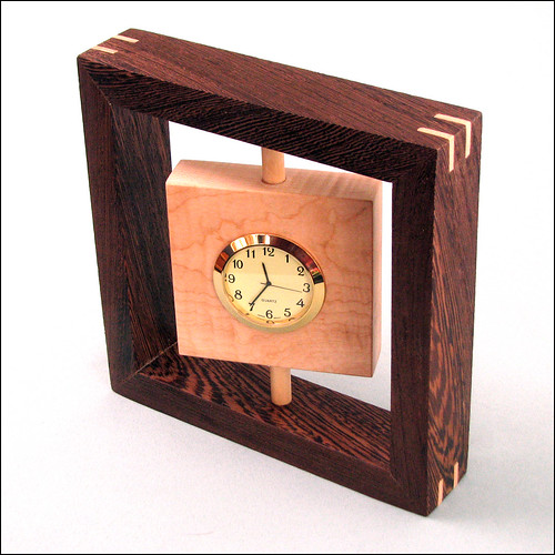 Swivelling Desk Clock