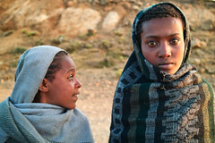 Ethiopian girls (tsiklonaut) Tags: poverty life africa girls portrait black mountains cold girl rural scarf pose countryside eyes warm veil african young freezing sigma east cotton cover keep cloth ethiopia foveon ethiopian x3 evocative simien tdruk tdrukud aafrika dp2s ertioopia amhari