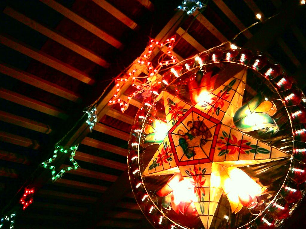 12 25 2010 342365 sherman peros tags christmas - Filipino Christmas Star