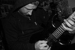 Guitarplayer with a Hoody (Ian Groenlund) Tags: friends portrait music playing cake portraits toys drums friend cola drum guitar guitars drummer jam chill guitarist jammin laberlarve