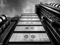 Lloyds of London (THE ARCH1) Tags: lloydsbuilding richardrogers london uk unitedkingdom greatbritian england blackandwhite bw