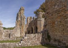 Bayham Abbey 41 (mini-b) Tags: bayhamabbey ruins englishheritage 13th15thcentury frant eastsussex canon eos5dmkii ef28300mm3556lisusm 2016