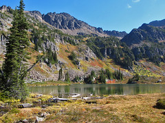 Lake Grace (Mike Dole) Tags: wildhorsecreek alpinelakeswilderness wenatcheenationalforest washingtonstate gracelakes chiwaukummountains cascades