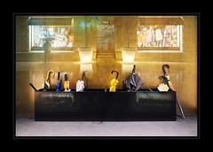 Through The Wall n°1 - Lange Nacht der Museen 2016 (macplatti) Tags: composition ps rain night umbrellas schirme regenregennacht rainynight gold blue reflections bregenz vorarlberg austria aut